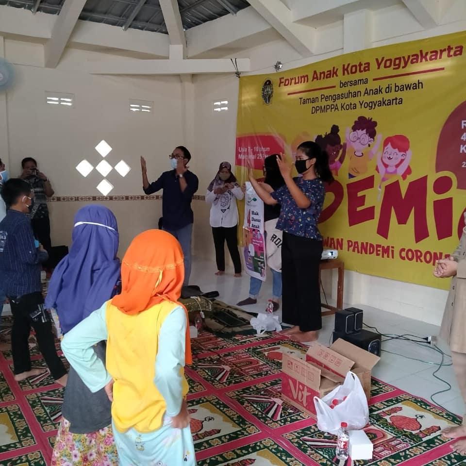 Kunjungan Forum Anak Kota Yogyakarta ke Kampung Baca Cakrawala dan Kampung Ramah Anak RW 01